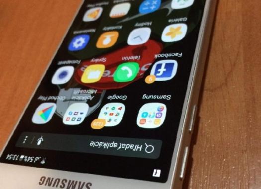 8890773c4 Predam samsung galaxy A3 2016 ako novy este v zaruke mam k nemu komplet  prislusenstvo alebo vymenim za iphone 5s-6 viac info volat cena mobilu je  120€ na ...